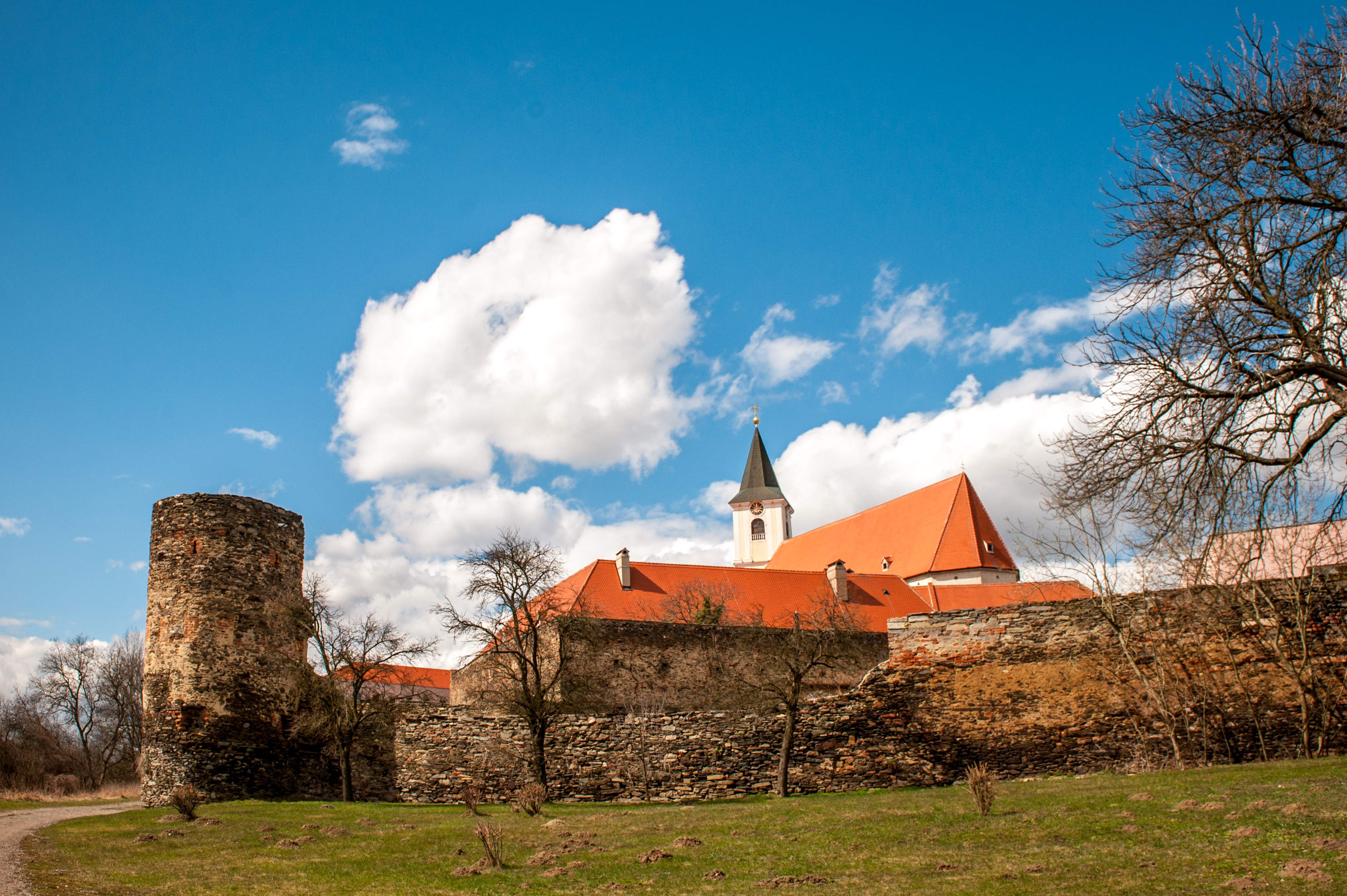 Kloster Pernegg. Und wolkig!